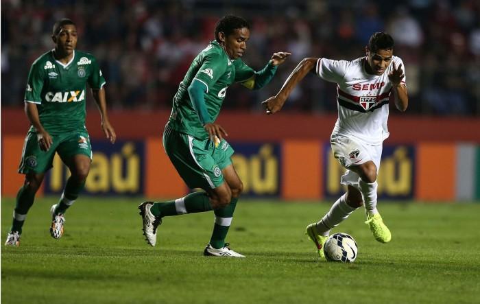 Com expectativa de grande público, São Paulo recebe Chapecoense visando chegar ao G-4