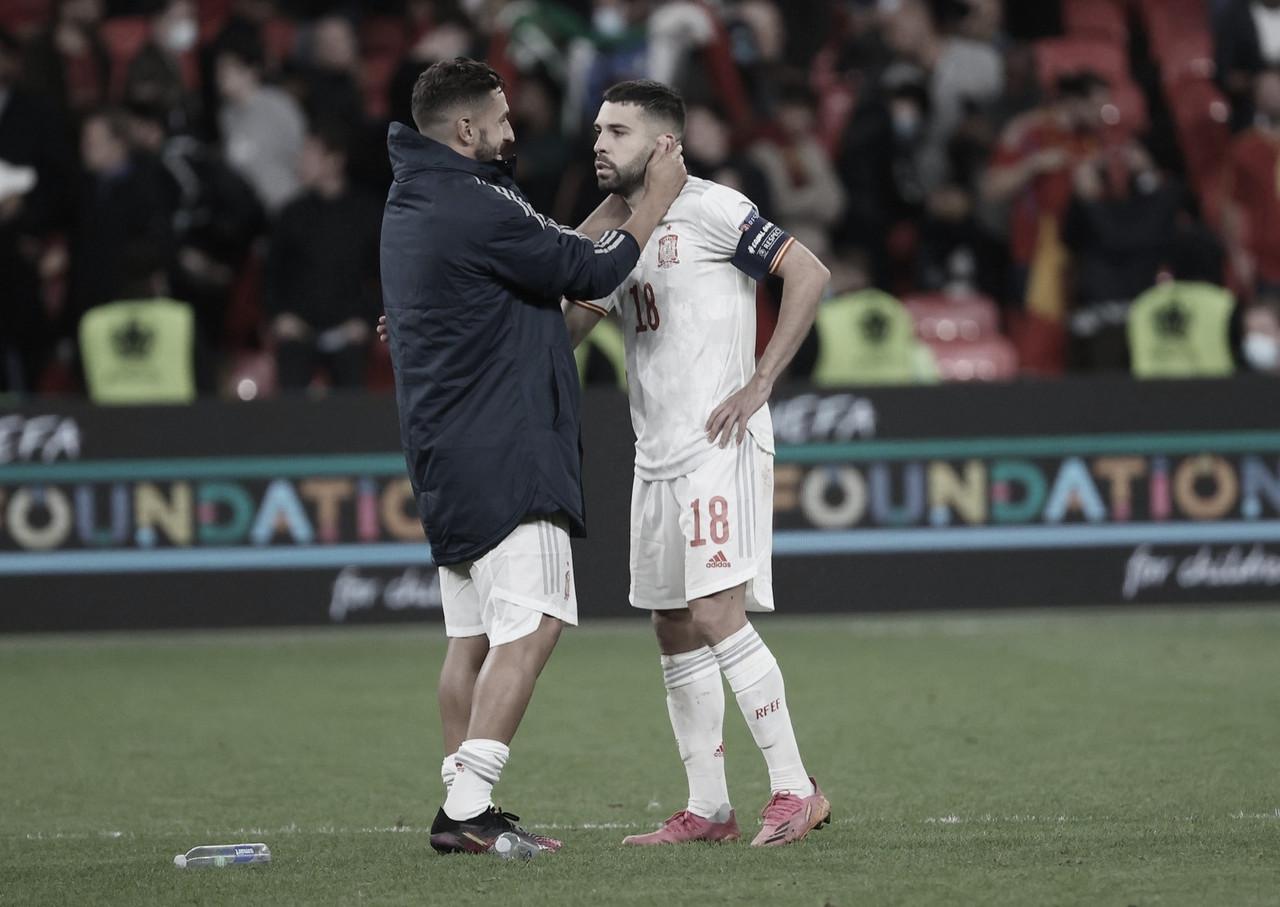 """Jordi Alba e Sérgio Busquets lamentam eliminação da Espanha na Eurocopa: """"Fomos melhores"""""""