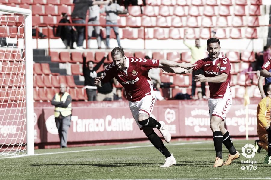 Raúl Albentosa condenó al Real Oviedo en Tarragona