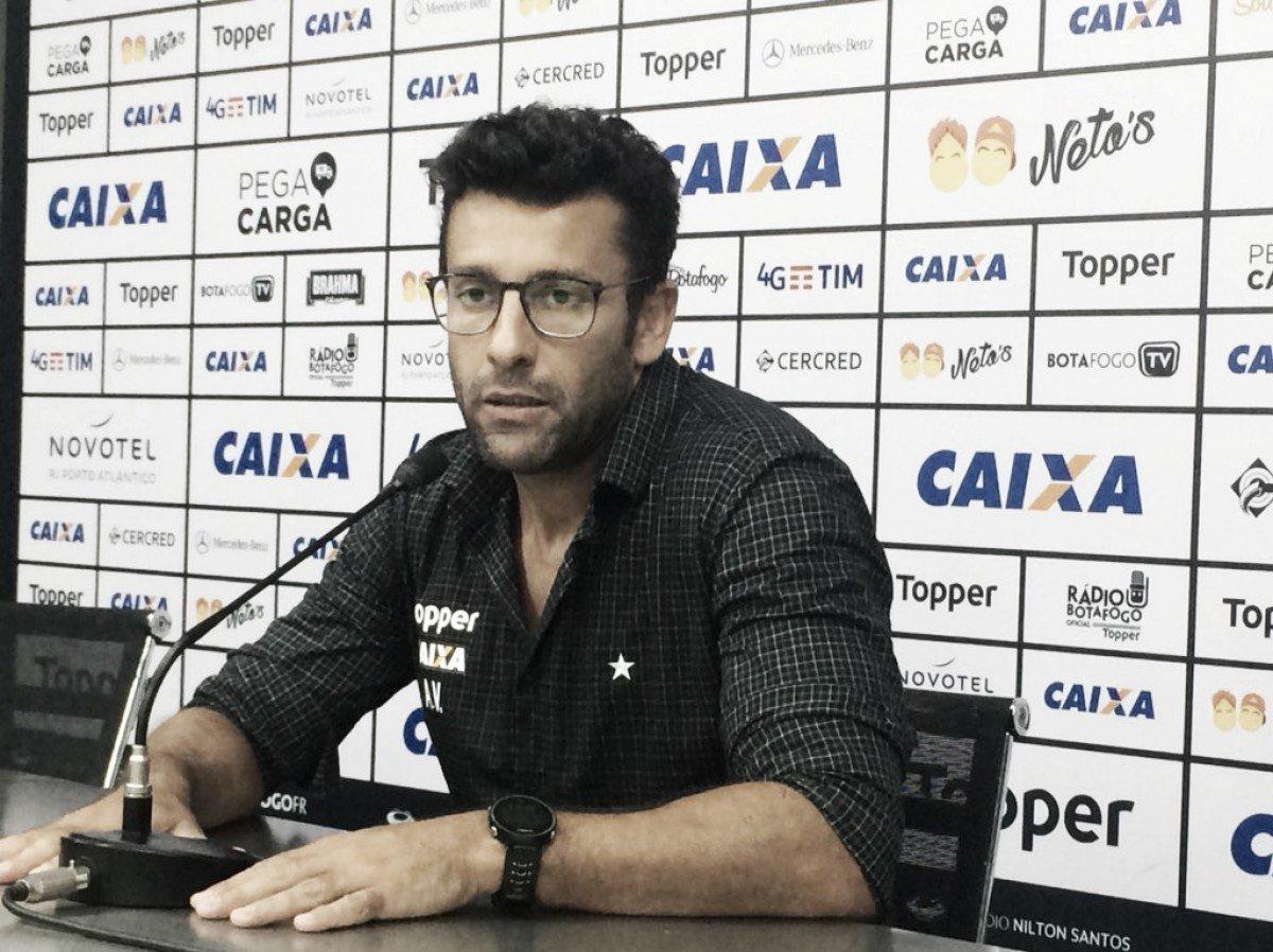 Alberto Valentim ressalta boa marcação do Botafogo na vitória sobre Grêmio c260d7a06ed84