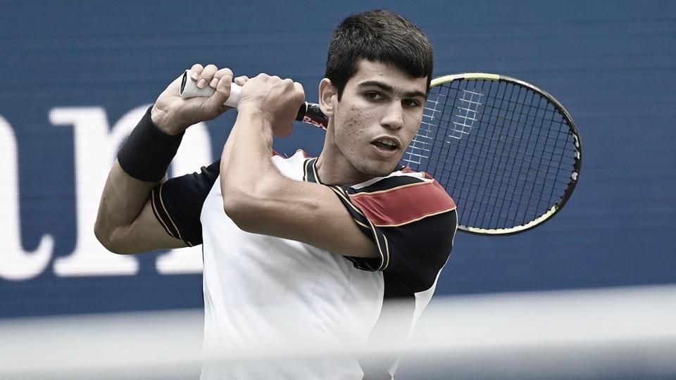 Alcaraz faz atuação incrível e elimina Tsitsipas na terceira rodada do US Open 2021