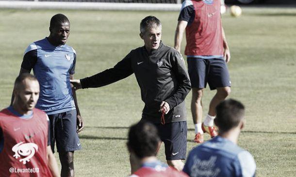 Alcaraz dirige su primer entrenamiento