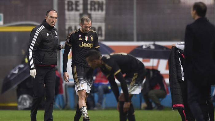 Juve: nulla di grave per Chiellini, ma salterà il Lione. E Alex Sandro carica l'ambiente