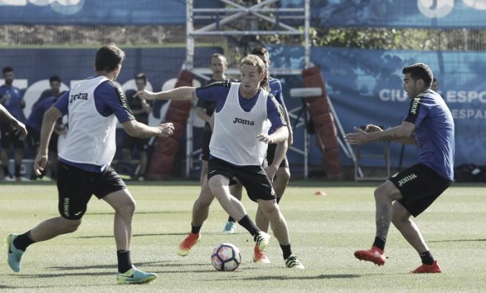 Álex Fernández se desvincula del Espanyol