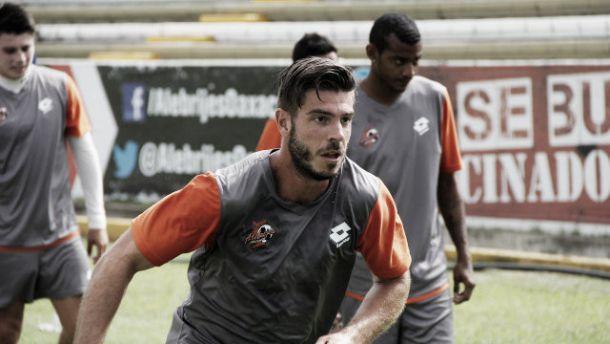 Alex Diego como jugador de Alebrijes de Oaxaca