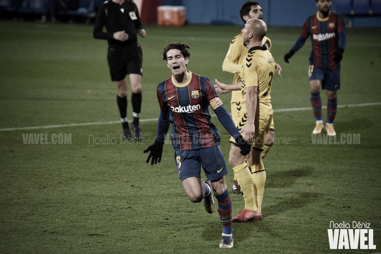 """Àlex Collado: """"He avisado al linier. Esto va a gol directo"""""""