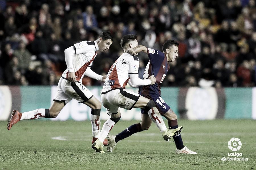 Previa Betis - Rayo Vallecano: tres puntos para pasar a otra zona