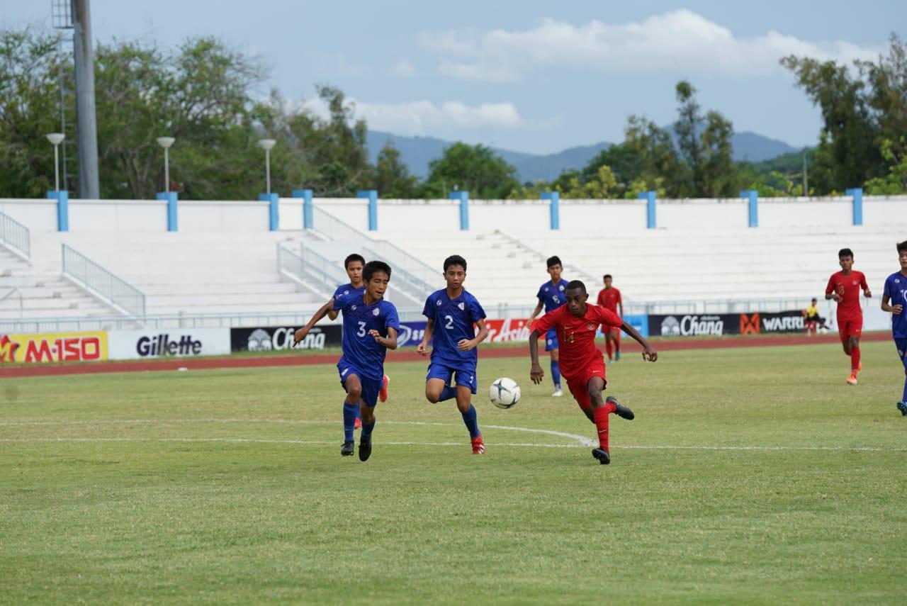 Asa Alexandro Felix bersama Timnas U-15
