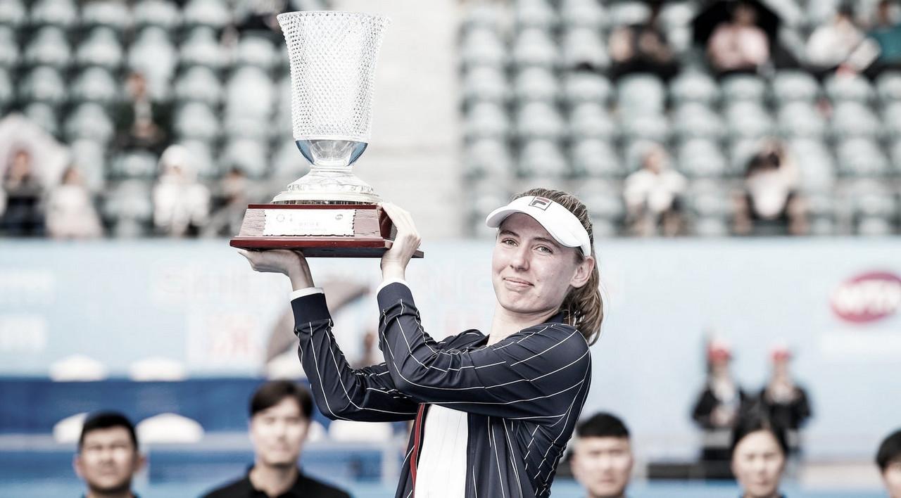 Primeira campeã do ano: Alexandrova bate Rybakina e vence WTA de Shenzhen