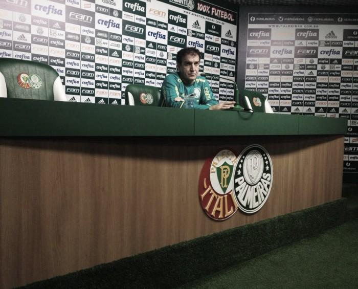 """Cuca analisa o primeiro turno do Palmeiras e pede """"time maduro"""" contra o Atlético-PR"""