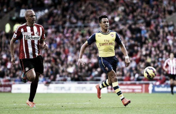 Arsenal visita o Sunderland e vence após dois erros defensivos do rival