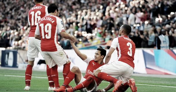 Alexis Sanchez wins PFA Fans' Player of the Season award
