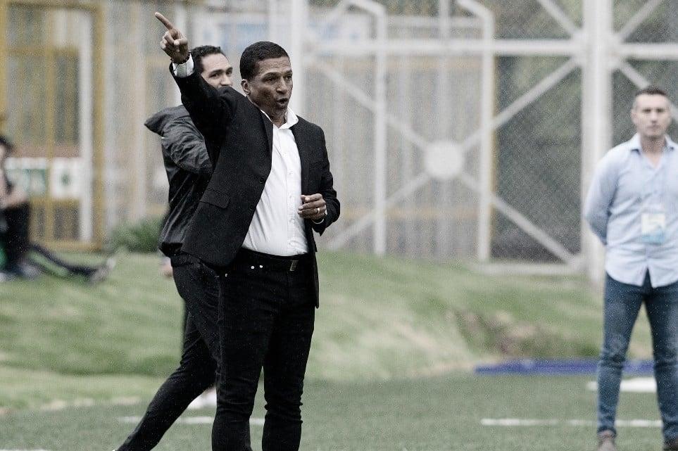 """Alexis García: """"En este tiempo llegó Hansel Zapata y ascendimos 8 chicos a la profesional"""""""