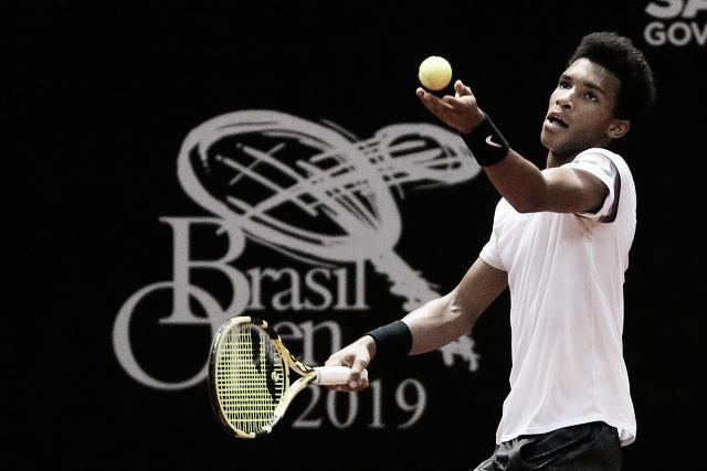 De virada, Auger-Aliassime vence Cuevas pelo segundo torneio seguido e segue no Brasil Open