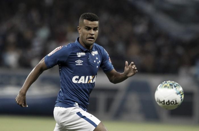 Em boa fase, atacante Alisson conta com vitória diante do Grêmio