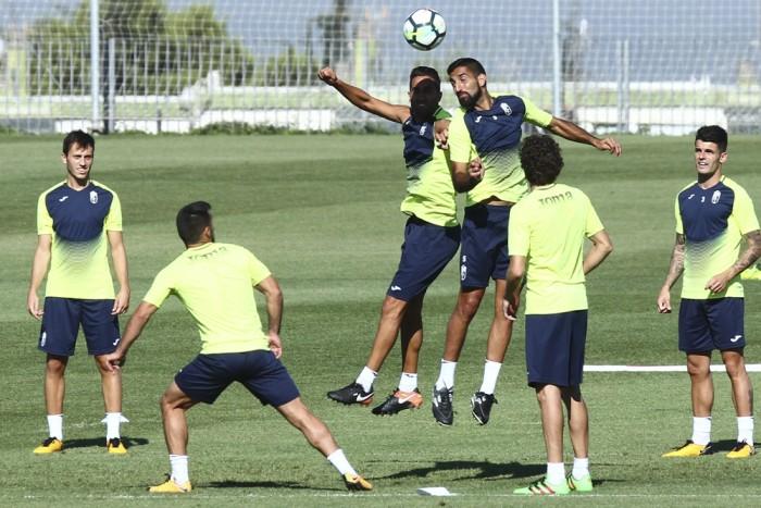 Tres entrenamientos para el Granada CF antes de recibir al Barcelona 'B'