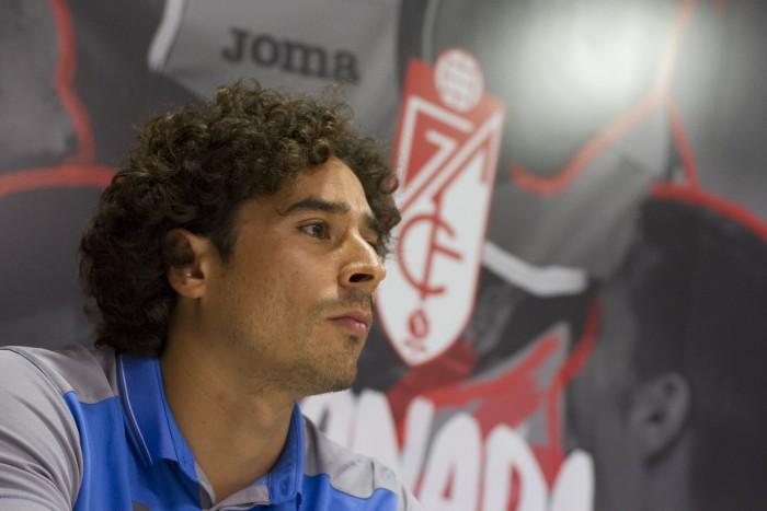 """Ochoa: """"Me motivó el entrenador y el proyecto del Granada CF"""""""