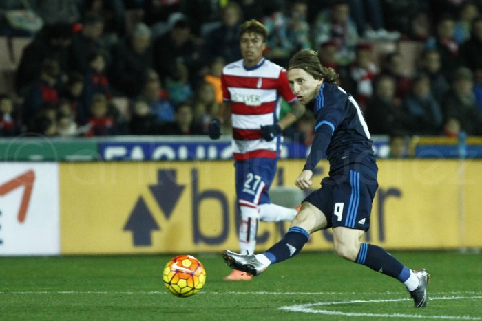 Un sobresaliente Modric da los tres puntos al conjunto blanco