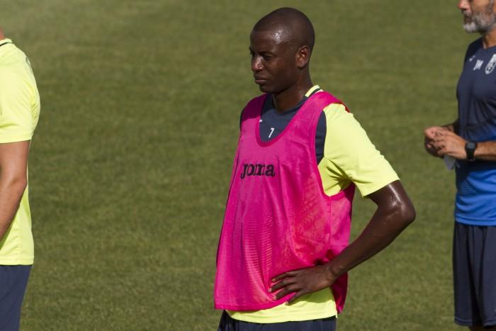 Adrián Ramos, novedad en una convocatoria de 19 para el partido contra Osasuna