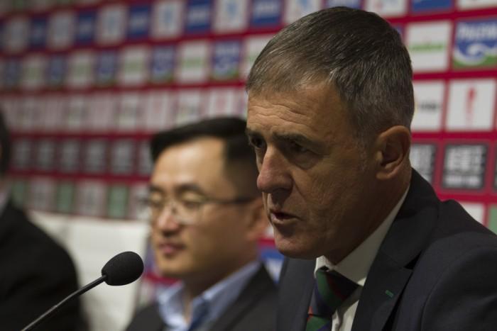 El Granada CF cesa a Lucas Alcaraz y le sustituye Tony Adams