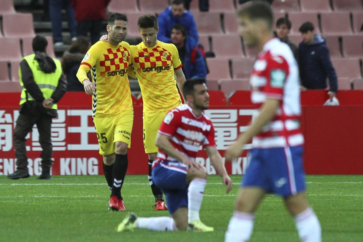 Al Granada CF se le moja la pólvora y cae ante el Nástic