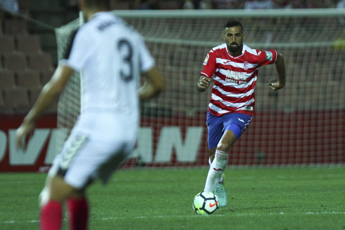 Menosse se desvincula del Granada CF