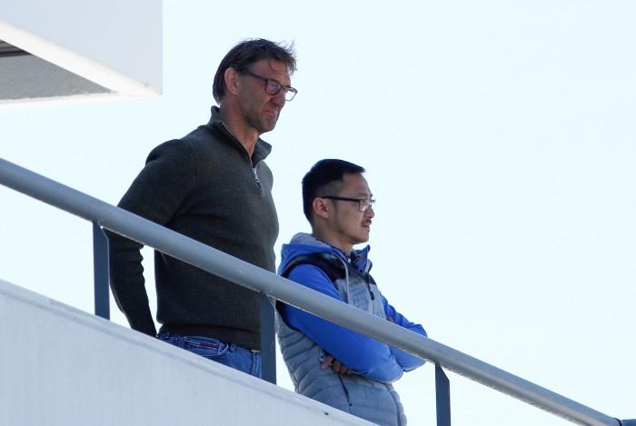 Tony Adams supervisa al Granada CF en la recta final