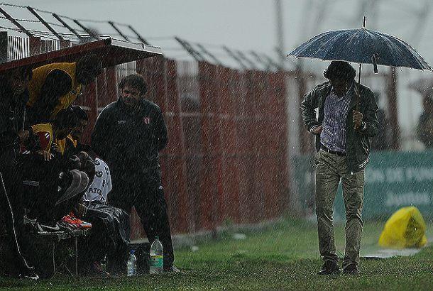 Juventud-Fénix y Rentistas-River aplazados por las intensas lluvias