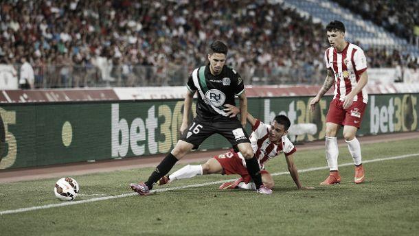 Em jogo repleto de faltas, Almería e Córdoba não saem do empate