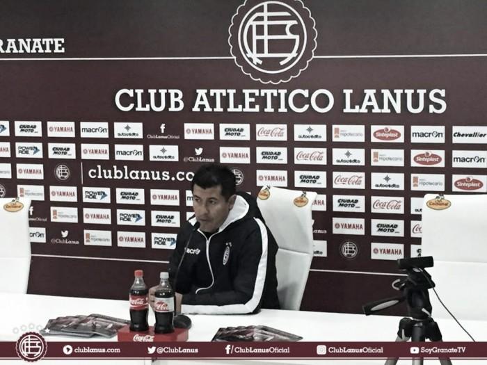 """Almirón: """"Veo al equipo muy bien"""""""