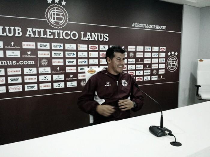 """Almirón: """"Llegamos muy bien al partido del domingo"""""""