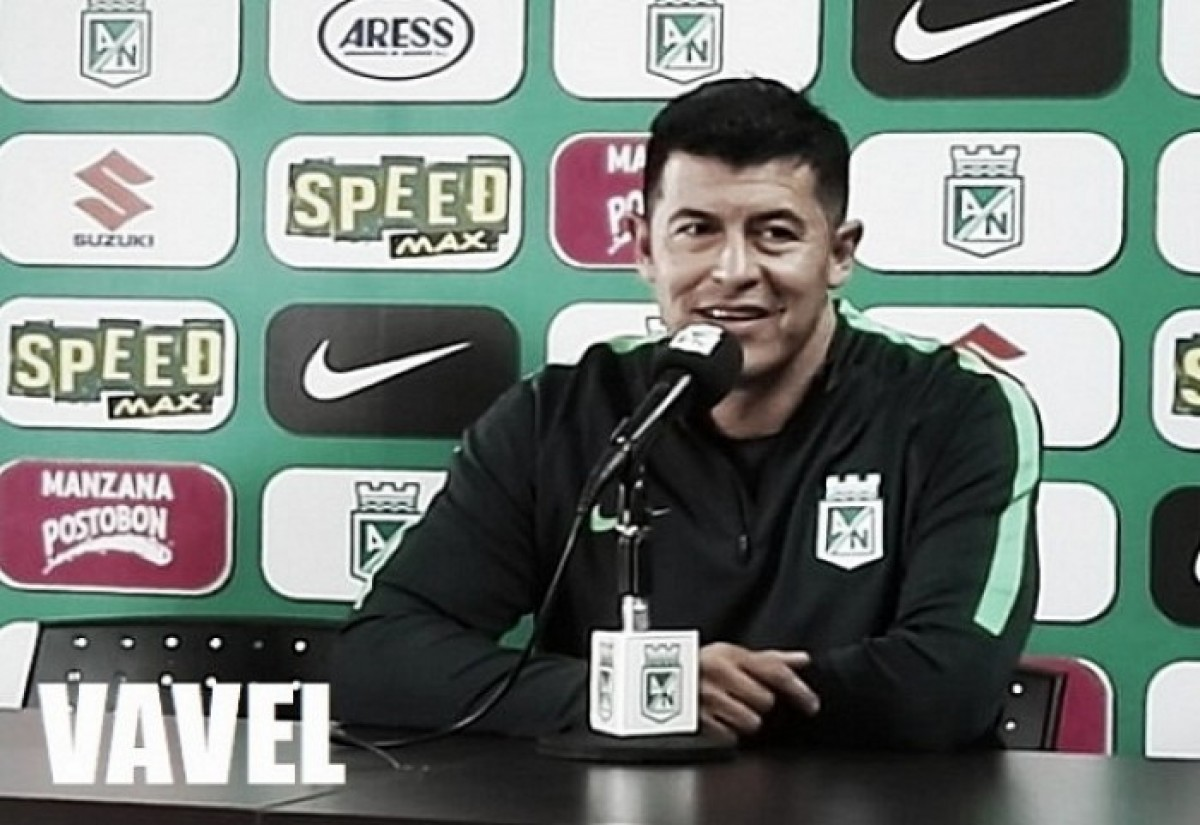 """Jorge Almirón: """"Mantenemos la punta y el equipo se está invicto en el Atanasio"""""""