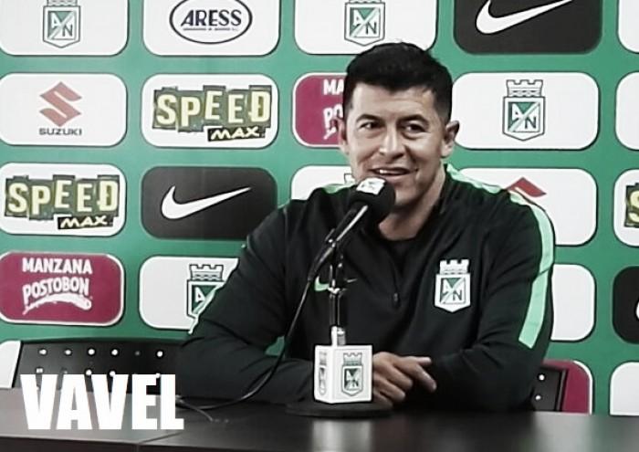"""Jorge Almirón: """"Un equipo grande debe trabajar muy fuerte"""""""