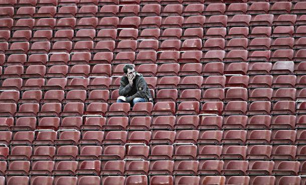 Cadeiras vazias, passivos e o medo do golo