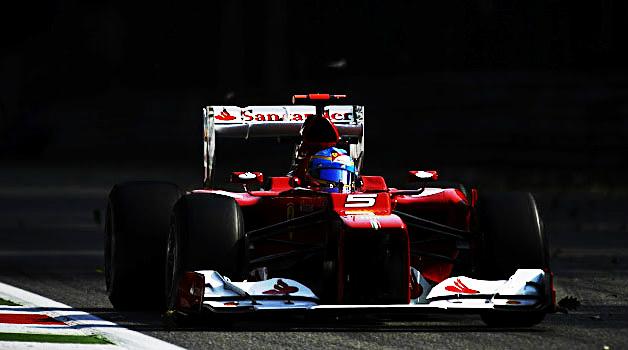 Alonso remonta y sale más líder en la victoria de Hamilton