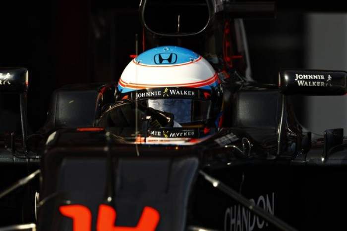 """Mike Gascoyne: """"Se ven progresos, pero pienso que McLaren tiene un largo camino por delante"""""""
