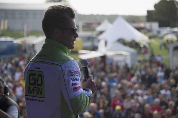 Alvaro Bautista in MotoGP con Aprilia per due anni
