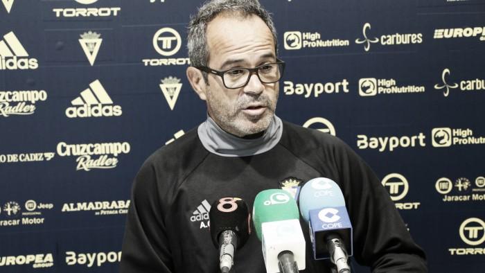 """Álvaro Cervera: """"No somos un equipo de posesión del balón"""""""