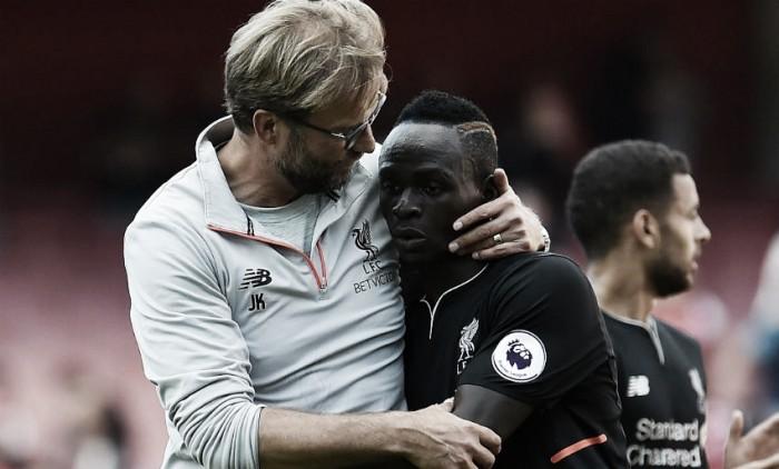 """Meia do Liverpool, Mané enaltece Klopp: """"Aprendo o tempo todo com ele"""""""