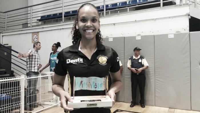 Melhor em quadra na vitória sobre o Minas, ponteira Amanda destaca força do grupo do Praia Clube
