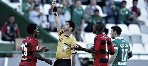 Amaral pede desculpas ao elenco por expulsão contra o León (MEX), na Libertadores