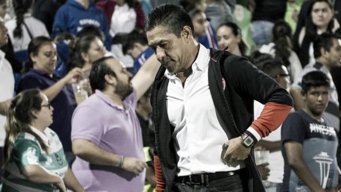 Ignacio Ambriz, dolido por la eliminación en Copa