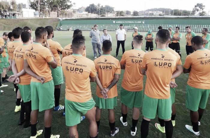 América-MG encerra preparativos para enfrentar Fluminense e Givanildo relaciona 23 jogadores