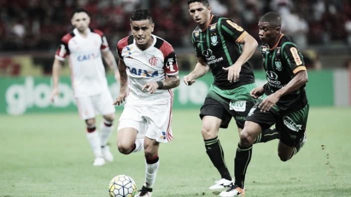 Flamengo vence no Mineirão e rebaixa América-MG à Série B
