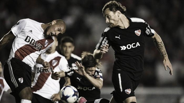 El podio de Independiente: Sánchez Miño, Domingo y Amorebieta