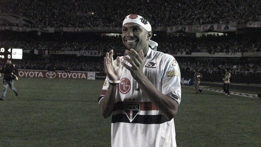 Amoroso explica porquê não ficou mais tempo no São Paulo