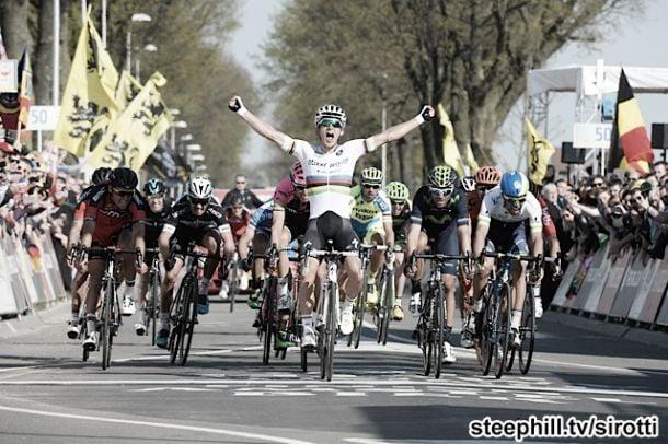 Michal Kwiatkowski vence clássica Amstel Gold Race, Rui Costa em quarto lugar