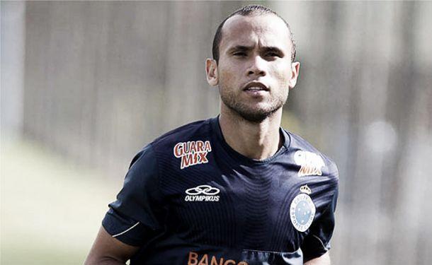 Sport anuncia a contratação do meia-atacante Ananias, ex-Cruzeiro