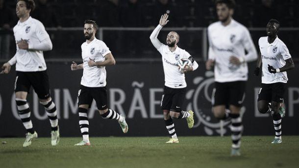 Vitória Sport Clube sobe provisoriamente ao primeiro lugar
