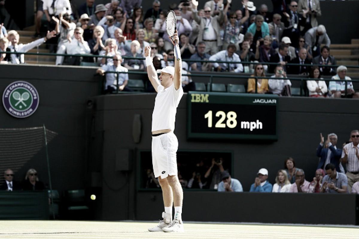 Em Wimbledon, Kevin Anderson vira jogo épico e elimina Roger Federer em maratona